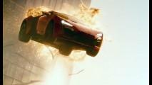 Vídeo: carros saltam de avião em novo trailer de Velozes e Furiosos 7