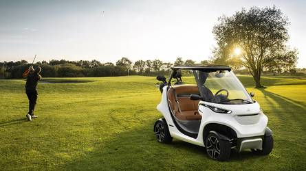 Koenigsegg agera rsr unveiled for japan for Mercedes benz garia golf cart price