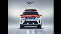 """Land Rover Discovery, una """"porta-aerei"""" per la Croce Rossa"""