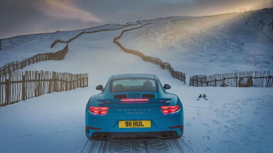 Minek ide sífelvonó, ha kéznél van egy Porsche 911 Turbo S?
