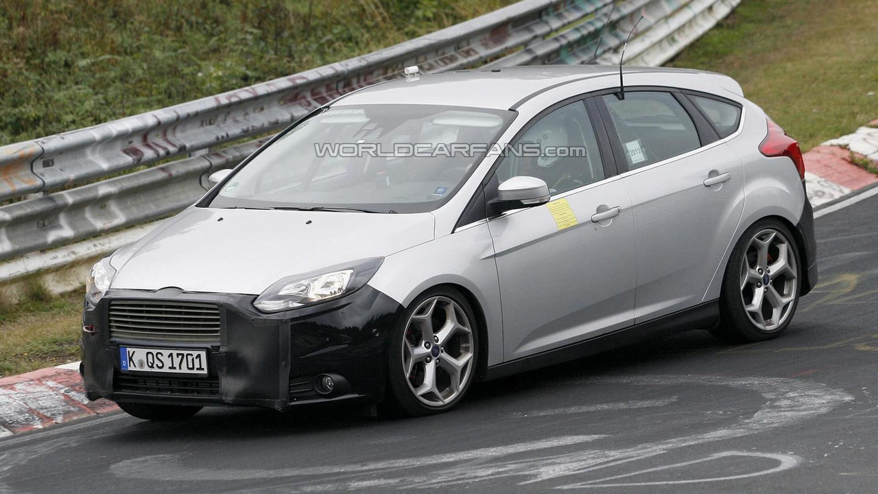2014 Ford Focus ST facelift spy photo