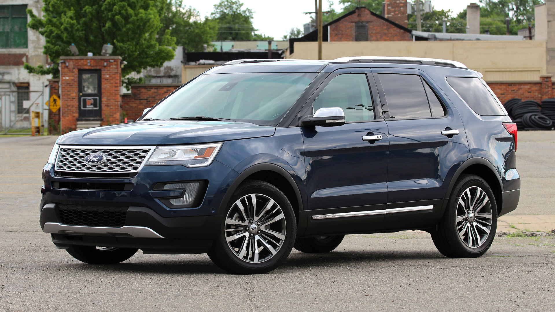 review 2016 ford explorer platinum. Black Bedroom Furniture Sets. Home Design Ideas