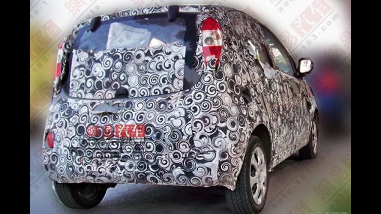 Flagra: Próxima geração do Chery QQ já roda com disfarces na China
