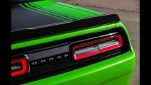 Dodge Challenger 2015 muda visual e fica ainda mais