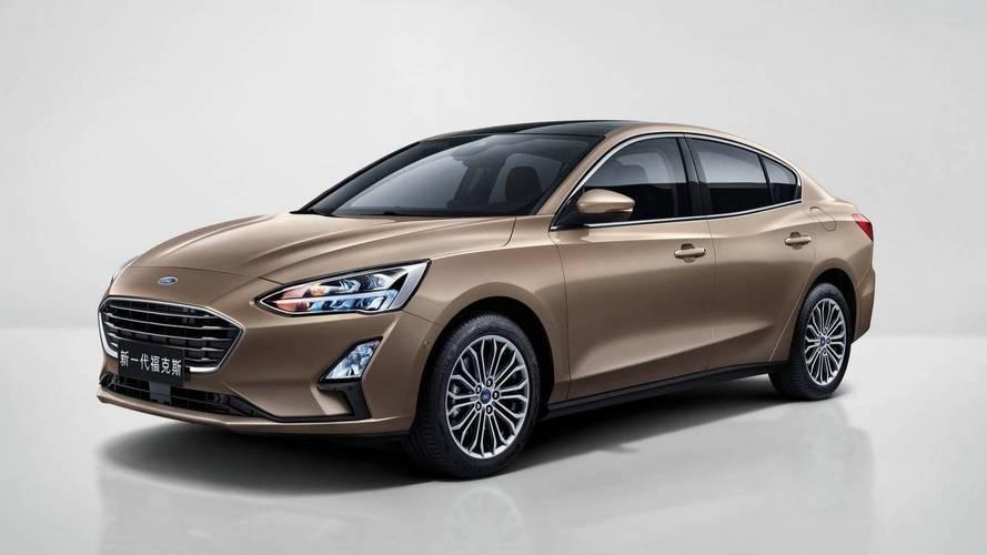 Novo Ford Focus Sedan cresce e aparece, mas longe daqui
