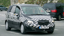 New 2010 Opel Meriva spy photos