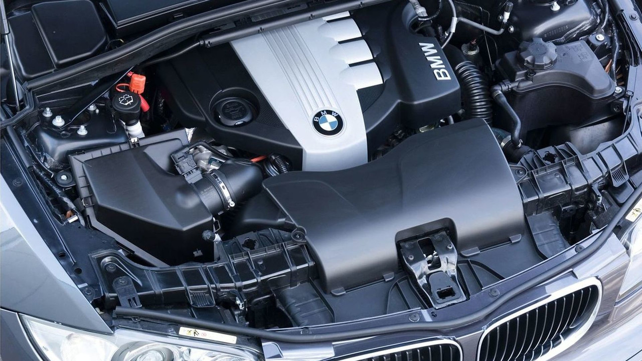 BMW 123d 2.0-liter twin turbo diesel engine