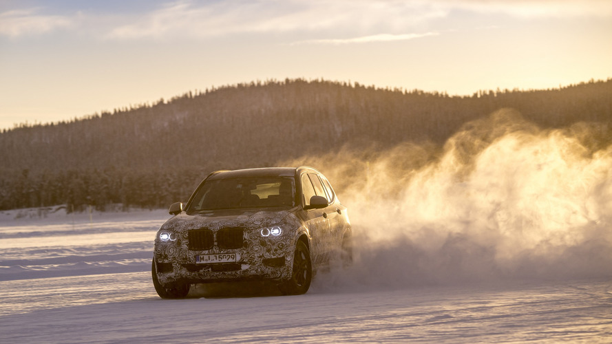 2018 BMW X3 goes sideways in official preview