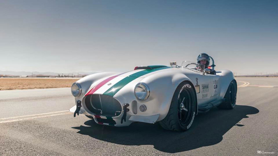 Superformance's Cobra Is The Fastest Ever Hitting 324 Km/H