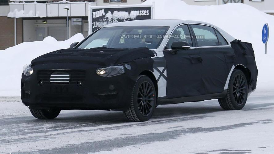 2016 Hyundai Equus spied up close in northern Scandinavia