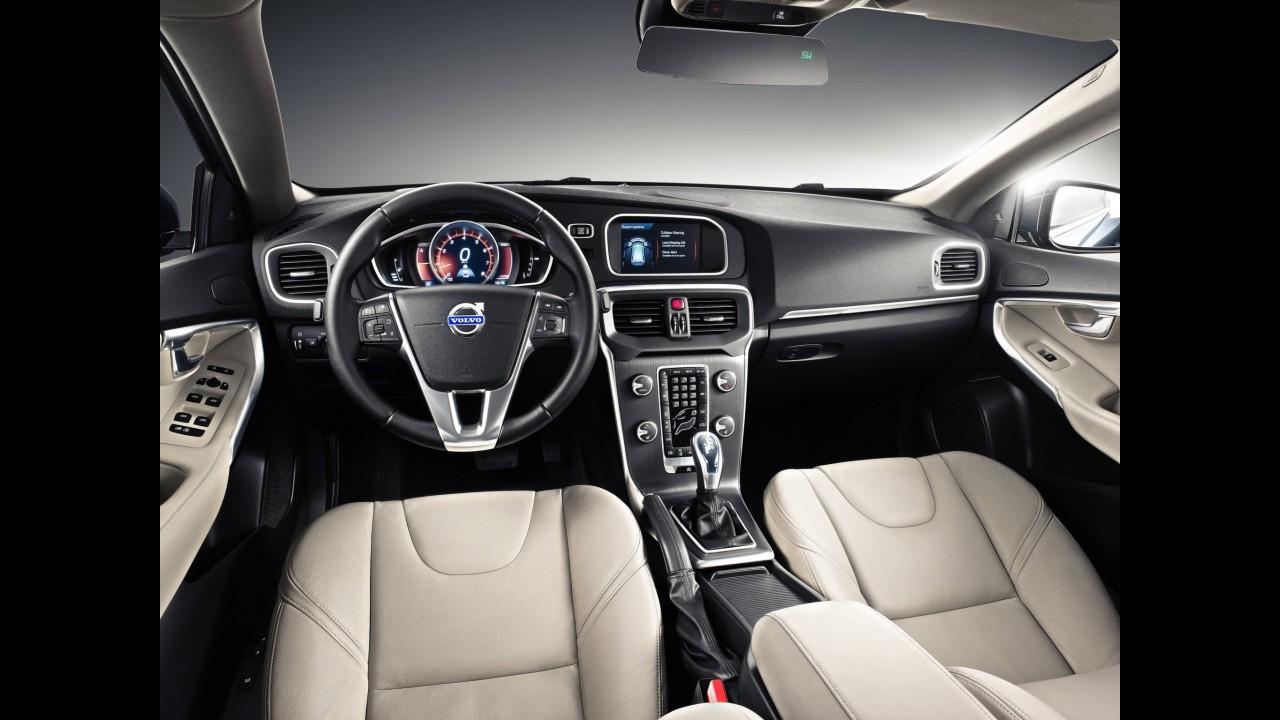 Volvo V40 chega em junho com motor 2.0 turbo de 180 cavalos