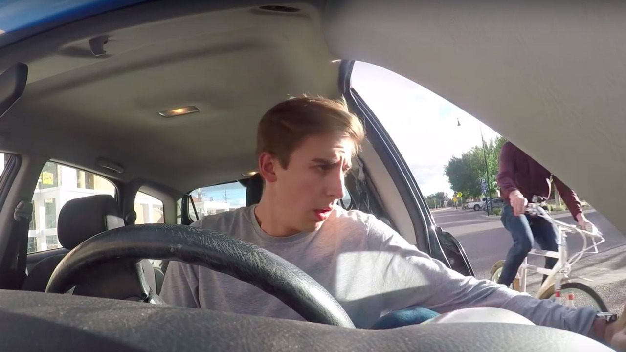 The Dutch Reach technic to open you car door