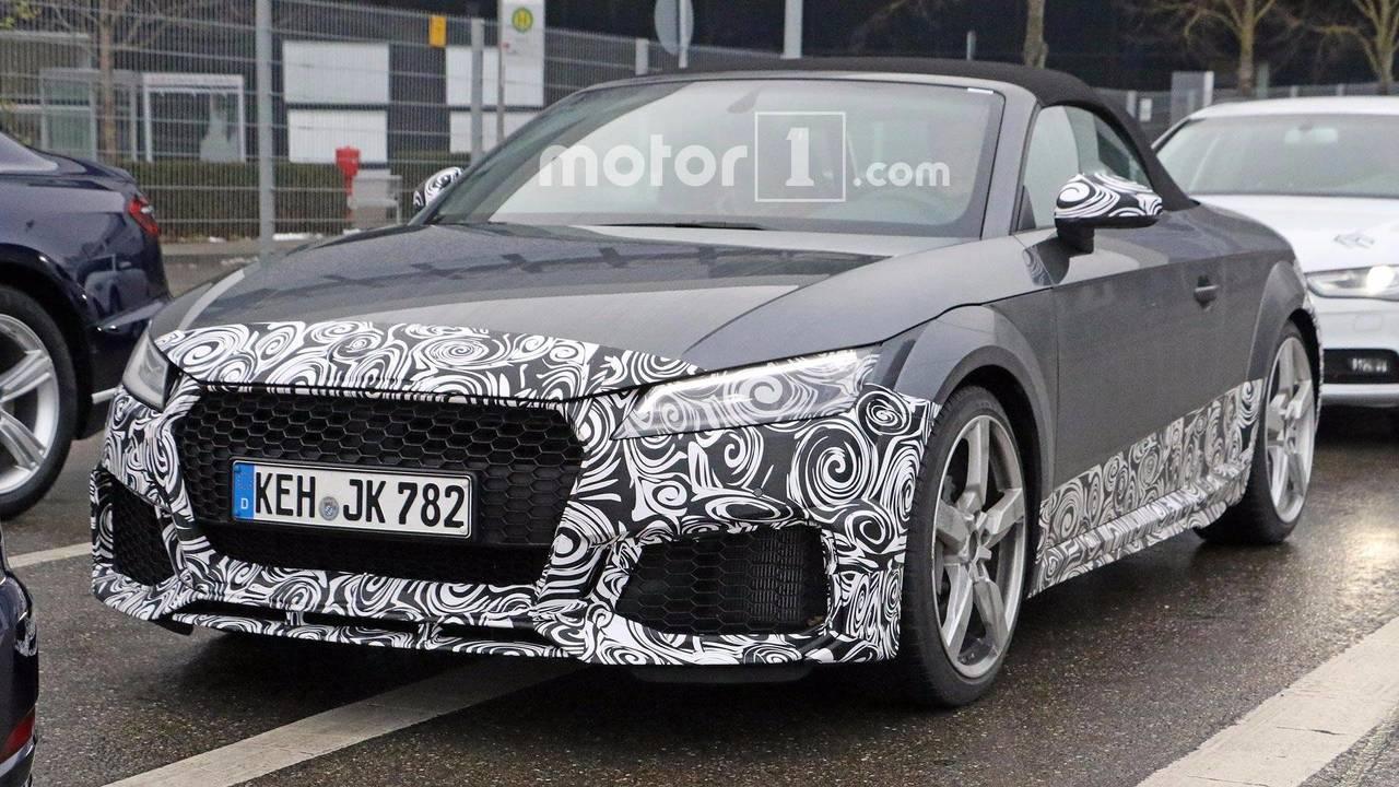 Audi TT-RS Refresh Spy Photos