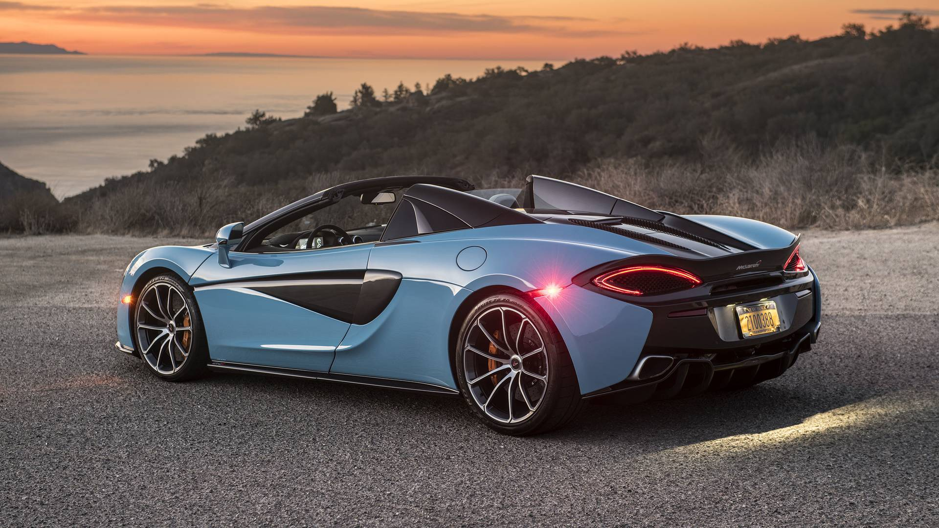 https://icdn-2.motor1.com/images/mgl/vgl0G/s1/2018-mclaren-570s-spider-review.jpg