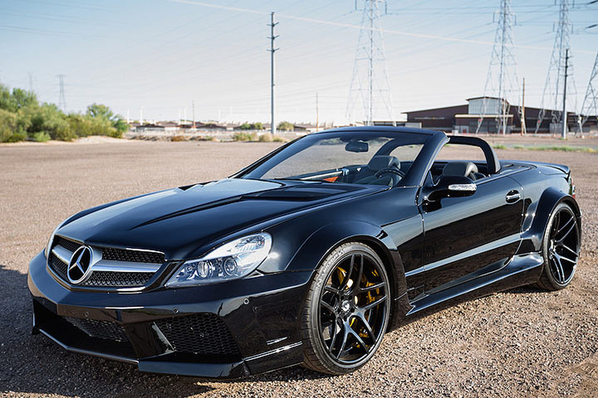 This widebody mercedes sl55 amg is an ageless beauty for Mercedes benz sl55 amg