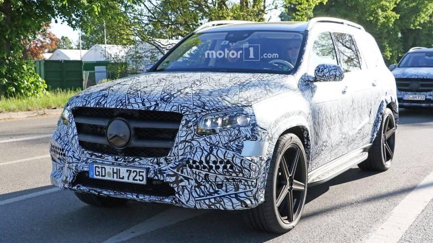 Yeni Mercedes GLS'in casus fotoğrafları burada