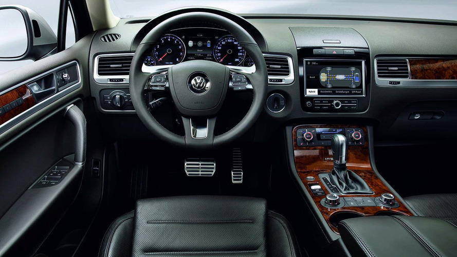 All New 2011 VW Touareg Revealed - Hybrid Version [Video]