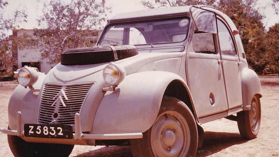 Rare desert-hopping Citroen 2CV up for auction