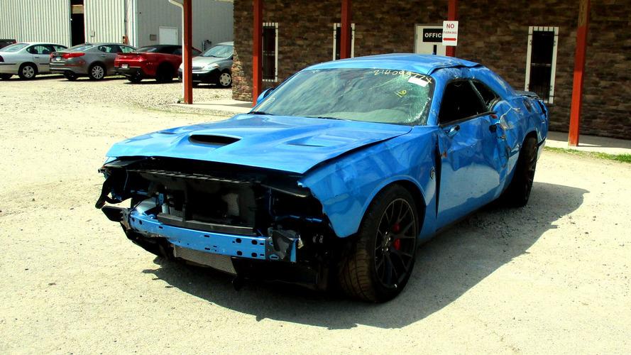 Fin de parcours prématuré pour une Challenger Hellcat quasi-neuve