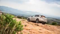 2019 Porsche Cayenne E-Hybrid teaser