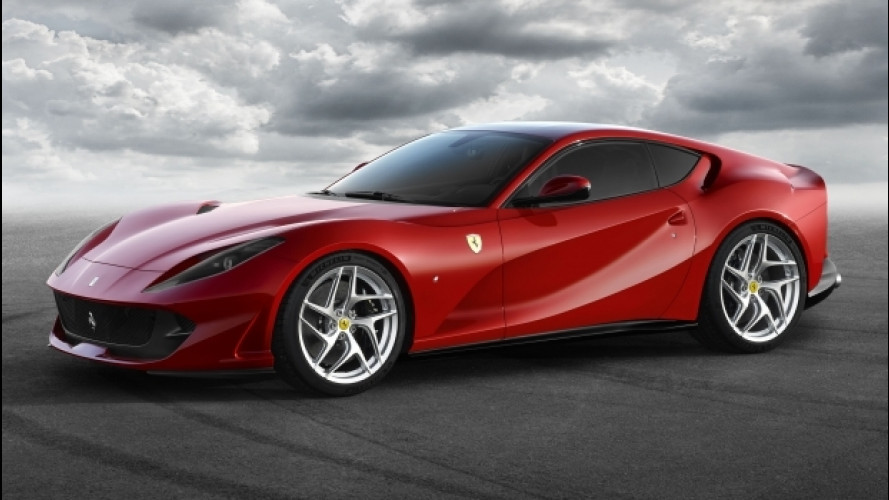 Ferrari 812 Superfast, la V12 dei record