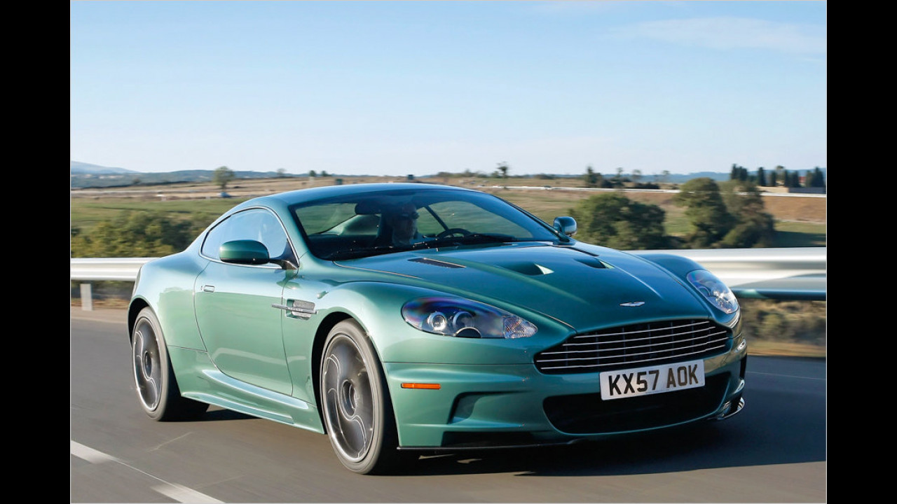 16 Exemplare: Aston Martin DBS