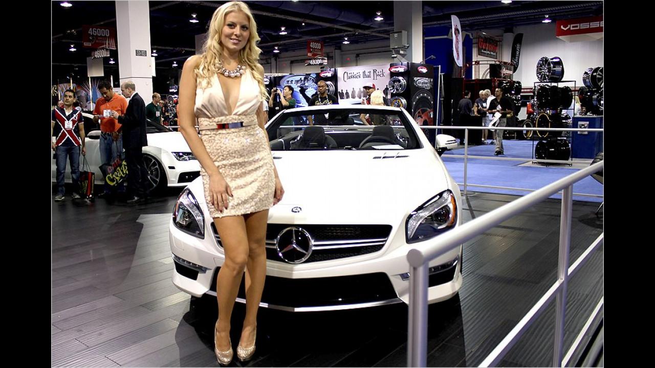 Ah, die kleine Mercedes mit ihrem neuen Benz!