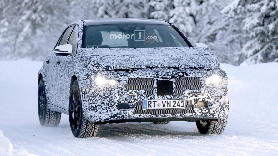 2020 Mercedes GLA spy photos