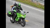 Flagra: renovada Kawasaki Z1000 SX é vista durante filmagens