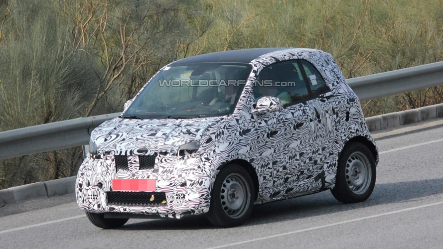 Smaller Smart ForTwo spied testing in southern Europe