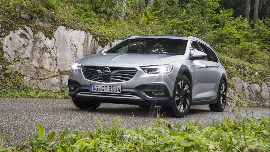 2018 Opel/Vauxhall Insignia Country Tourer and Holden Commodore Tourer