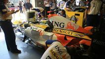 Renault F1 engineers