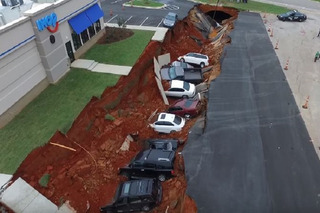 IHOP Parking Lot Sinkhole Eats Cars For Breakfast