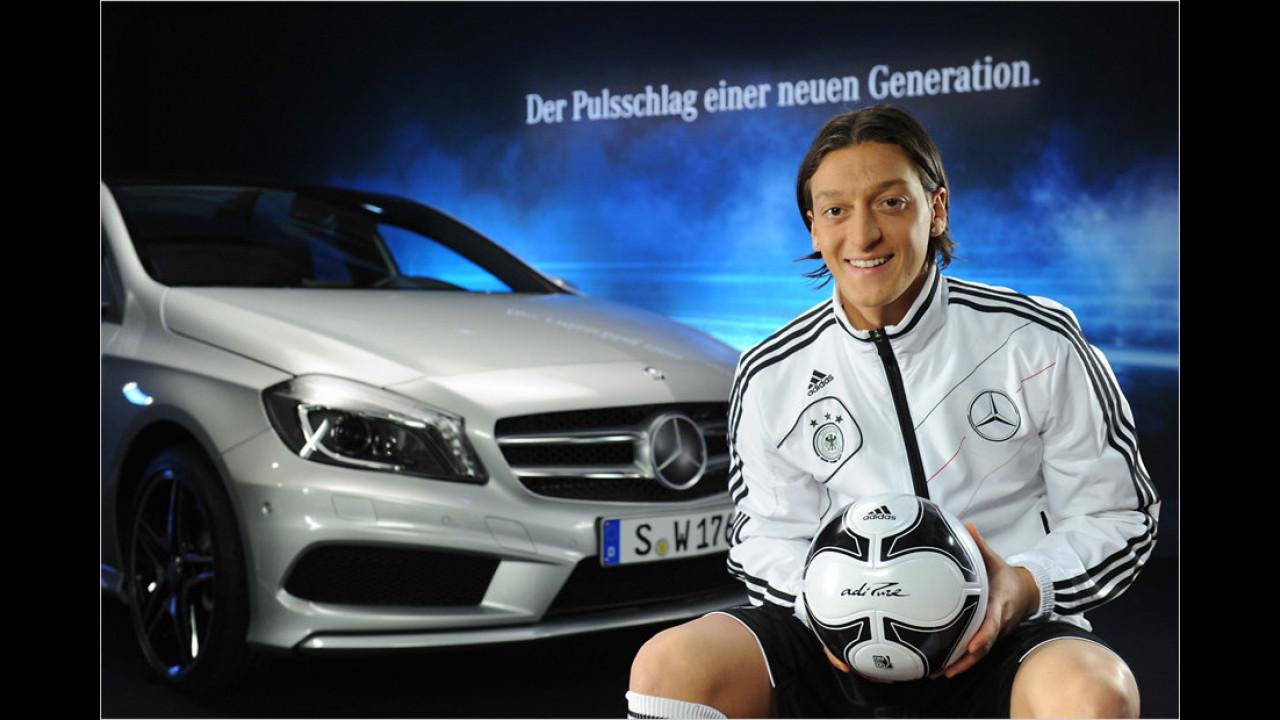 Mesut Özil: Mercedes A-Klasse