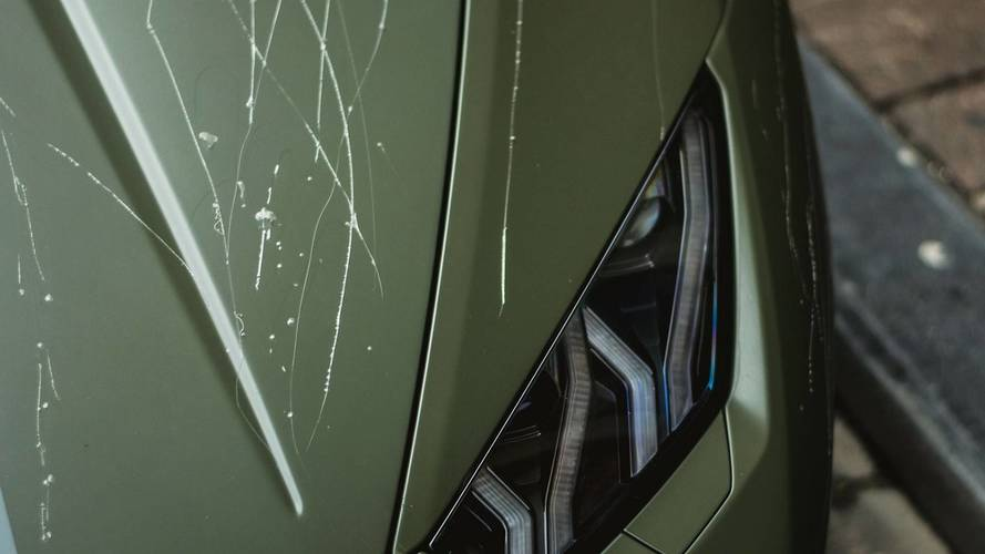 Lamborghini Huracan'ı anahtarla çizdiler