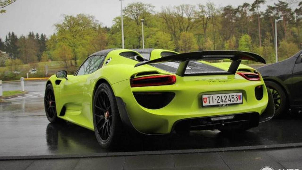 porsche 918 spyder spotted with weissach package and lime green paint photos. Black Bedroom Furniture Sets. Home Design Ideas