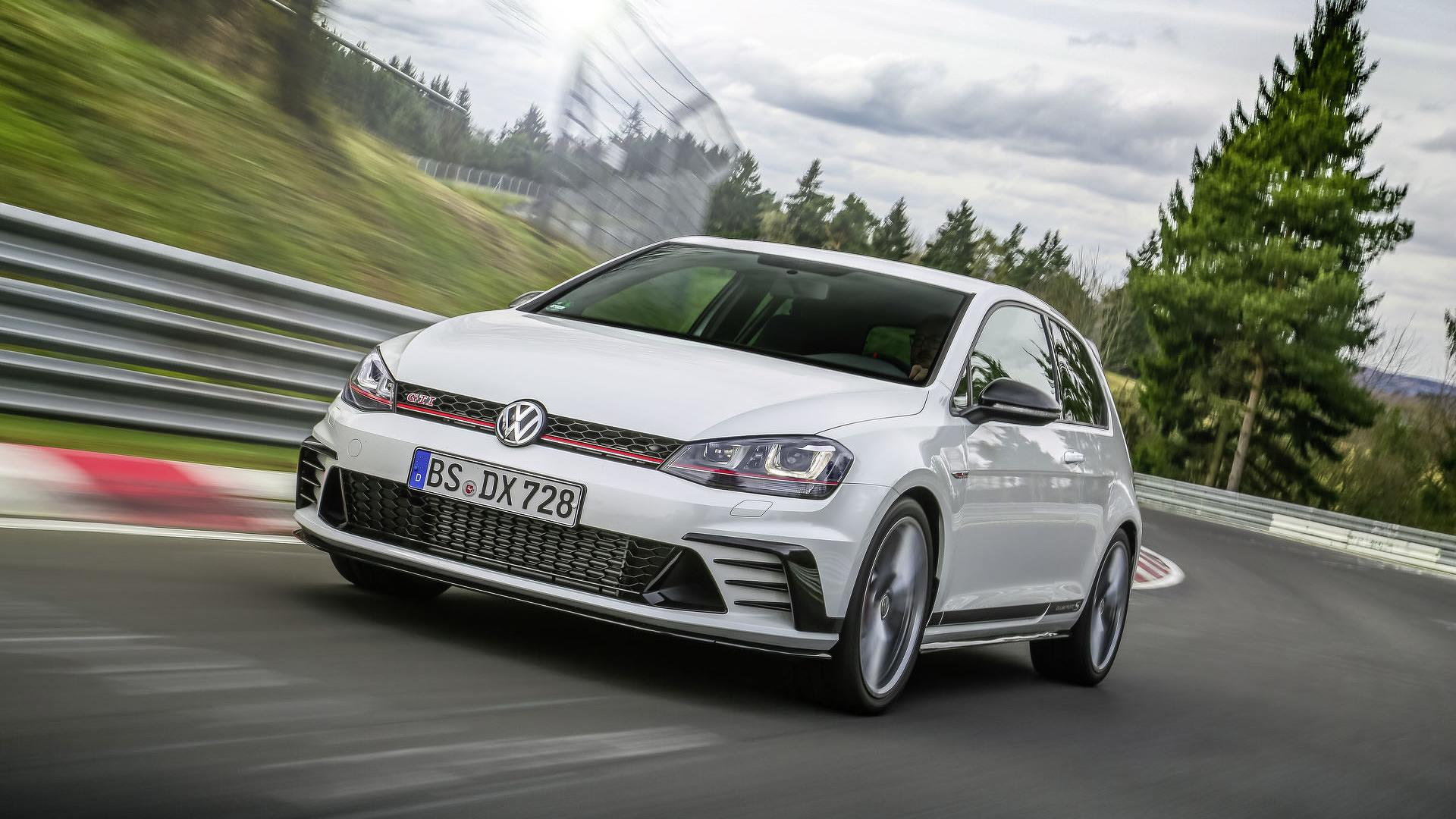 VW Golf GTI Clubsport S Unveiled As The Fastest Front Wheel Drive Car To Lap Nurburgring