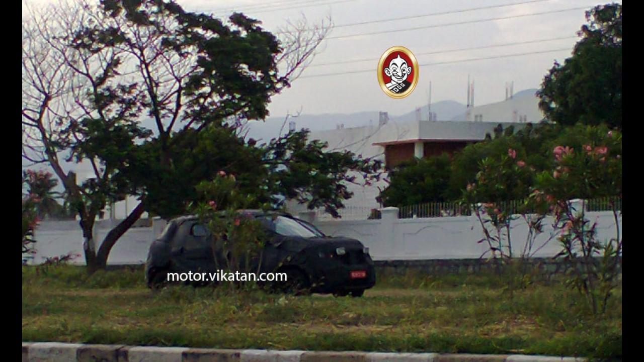 Flagra! Renault testa compacto de entrada para o lugar do Clio