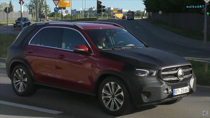 2019 Mercedes GLE Caught With Less Camo Than Ever Before