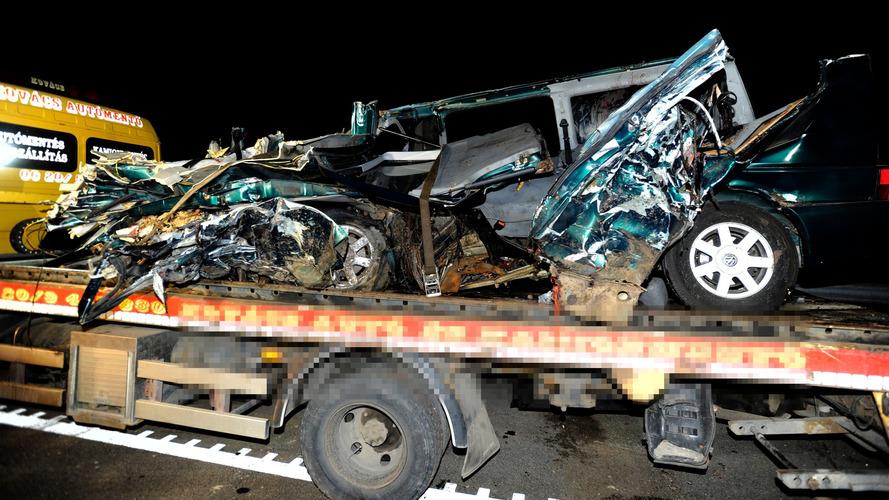 Élőben közvetítette a ceglédberceli tragikus balesetet a kisbusz sofőrje