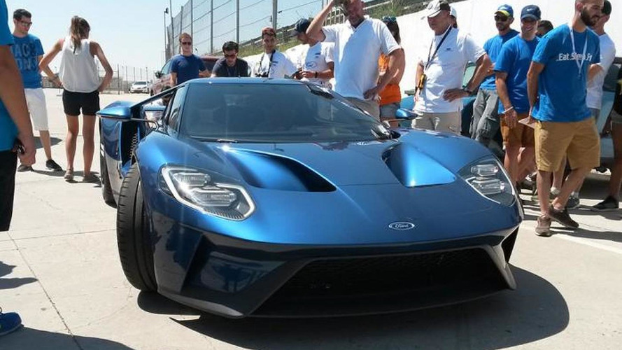 2017 Ford GT prototype fails to start at Jarama track in Spain, comes to life eventually [videos]