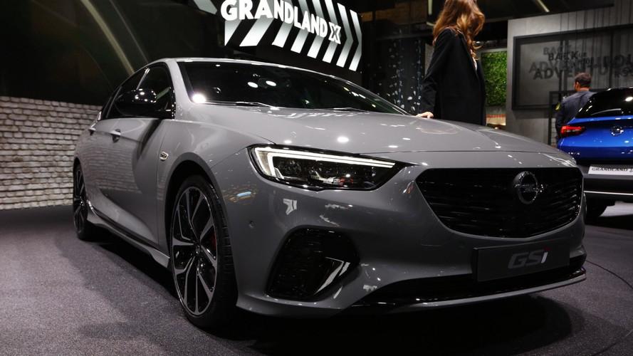 Vauxhall Insignia GSi Packs 256 HP And All-Wheel Drive