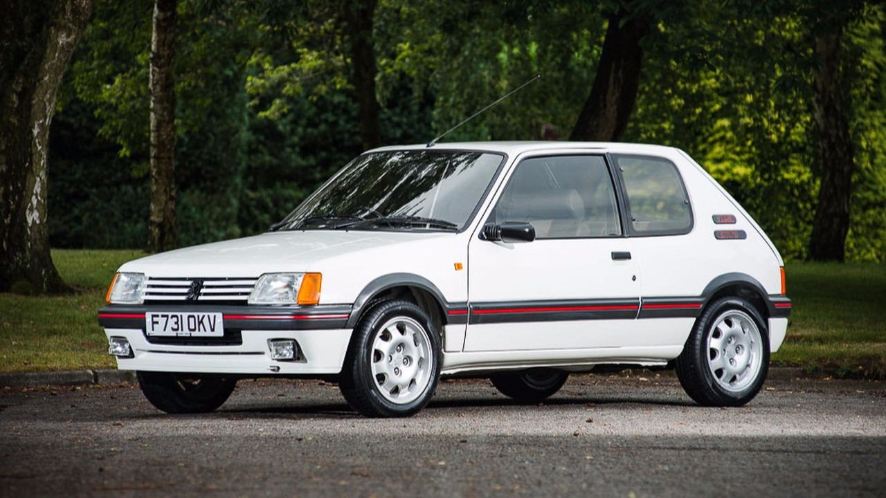 une peugeot 205 gti passe la barre des 40 39 000 euros. Black Bedroom Furniture Sets. Home Design Ideas