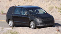 2010 VW Sharan next gen spy photos