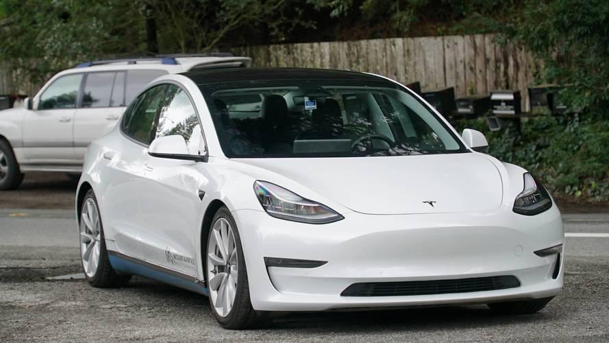 Elérte célját a Tesla: már heti 5000 Model 3 gyártására is képes a vállalat