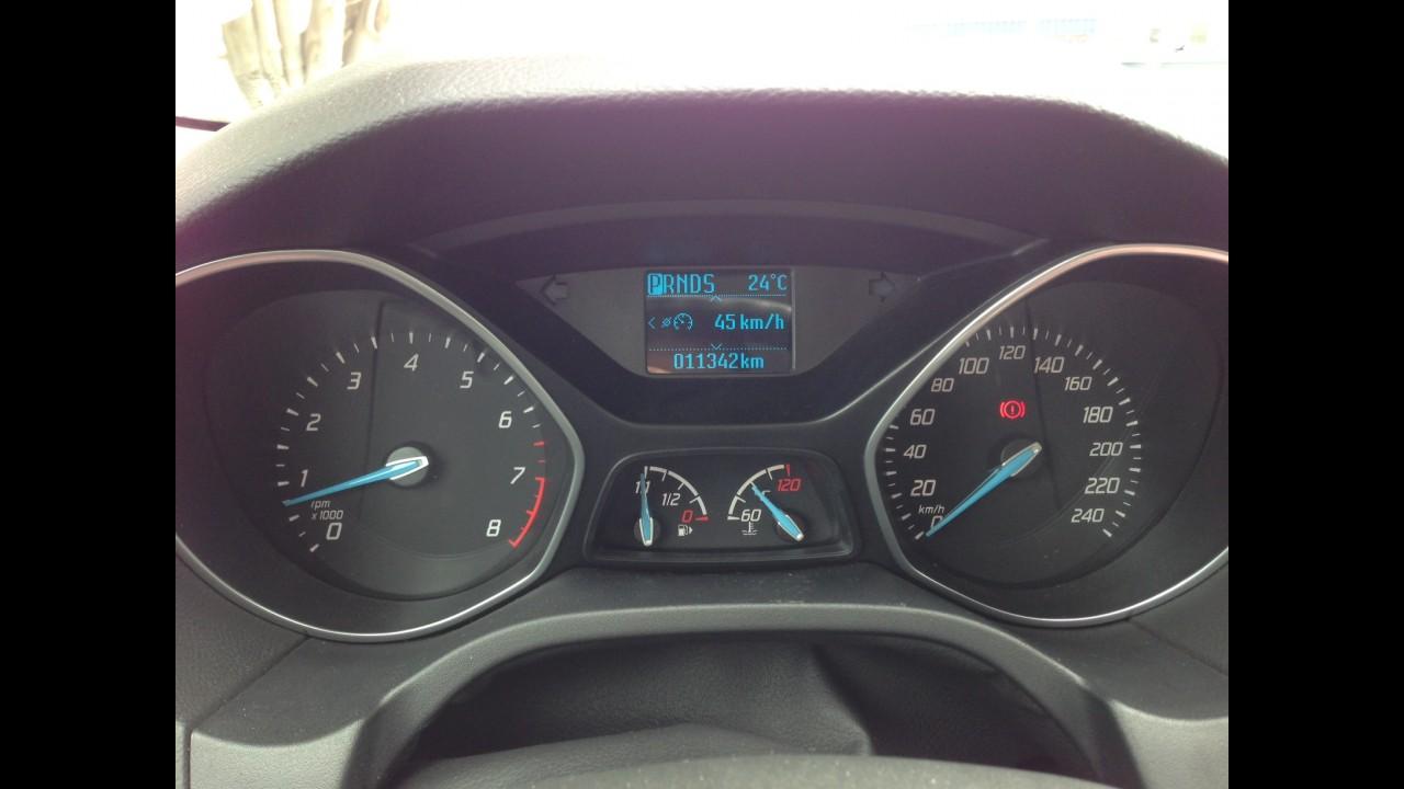 """Garagem CARPLACE #4: bom de máquina, Focus SE 2.0 deve nos """"features"""" - veja teste"""
