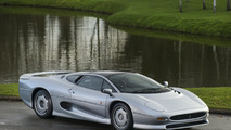 Exquisite Jaguar XJ220 up for grabs at £325,000