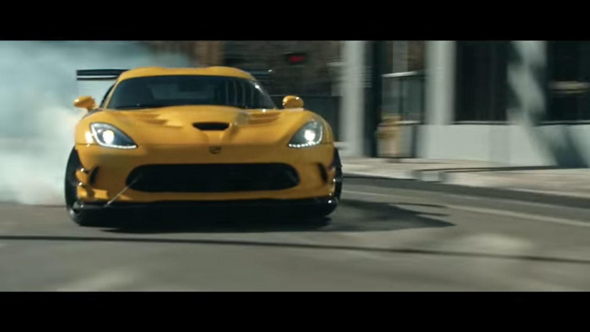 2017 Dodge Viper Horsepower >> See The Sun Set On 'The Last Viper' In Short Penzoil Film