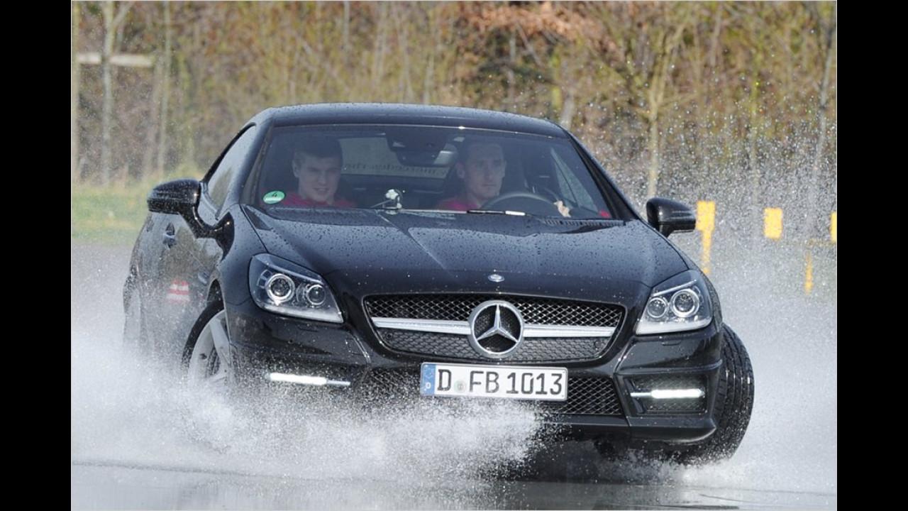 Miroslav Klose und Toni Kroos: Mercedes SLK